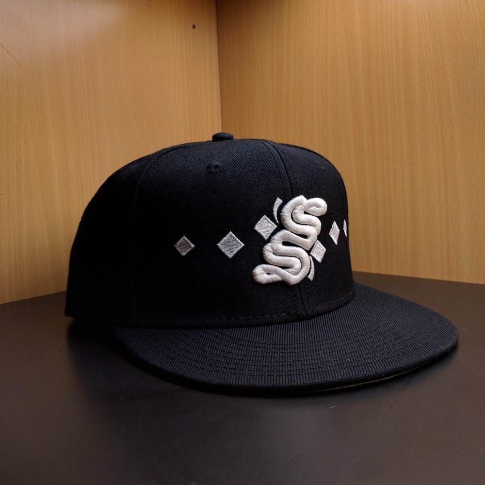 S Logo Snapback - Black